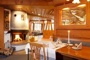 Restaurant_am_Kaminfeuer__Hirschen_Wildhaus_