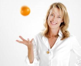 Eva Steinmeyer mit Orange Kopie