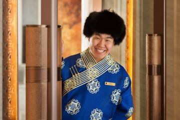 Shangri-La Hotel, Ulaanbaatar_ Bellman