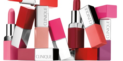 Clinique Pop Lip Lifestyleshot (1)
