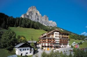 1.Hotel-Sassongher-Estivo1-1024x664