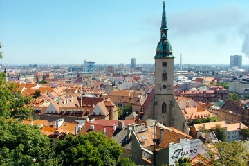Bratislava_old_town_from_castle_hill