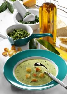 Rahmsuppe mit Pesto