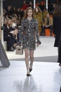 fsfwpa31.02f-fashion-week-paris-h-w-15-16---louis-vuitton