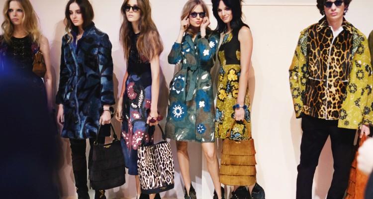 fwlo01f.11-fashion-week-london-h-w-15-16---burberry