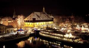 TIK_2015-10_PA_Advent_Konstanz_-_Weihnachtsmarkt_am_Konstanzer_Hafen_-_18x10cm_300dpi_-_Nachweis_Achim_Mende