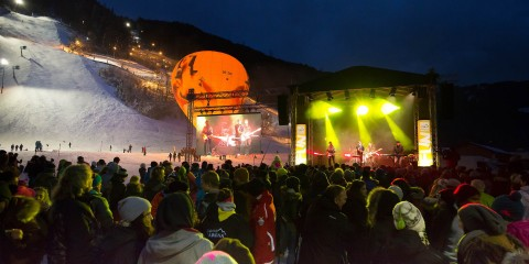 Zillertal Arena Abfahrt_Opening_by_Johannes Sautner