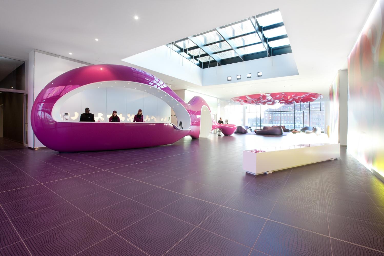 Auf diesen reisen sehen wir rosa wellness magazin the for Trendige hotels in berlin