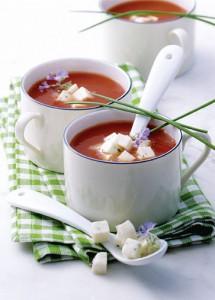 Tomaten-Mozzarella-Süppchen