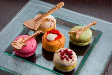 Jumeirah_Exhibitionism macarons