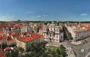Praha_Old Town Square_Libor Svacek_CzechTourism