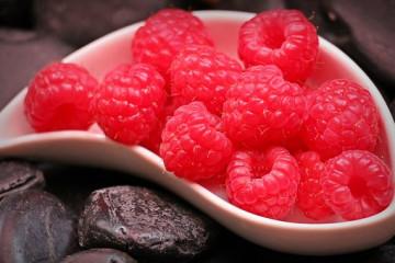 raspberries-1426859__340