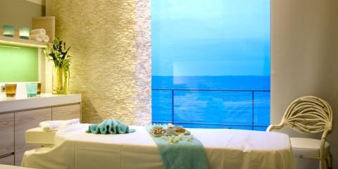 Behandlungsraum mit Meerblick (c) BUDERSAND Hotel Golf & Spa Sylt
