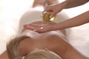 Victors_Massage mit Traubenkernöl (c) Barbara Heinz