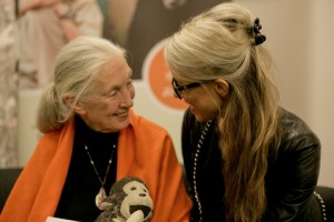 NUSSYY_JANEGOODALL_CARINAPIRNGRUBER (c) bright-light.at_querformat