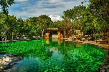 Uga Chena Huts - Main Pool_www