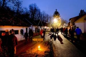 Advent in der Weinviertler Kellergasse - Adventmarkt Hadres 1 © Weinviertel Tourismus - Astrid Bartl
