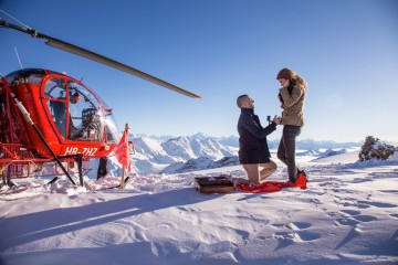 Heiratsantrag_am_Gletscher_c_helikopterflug.ch