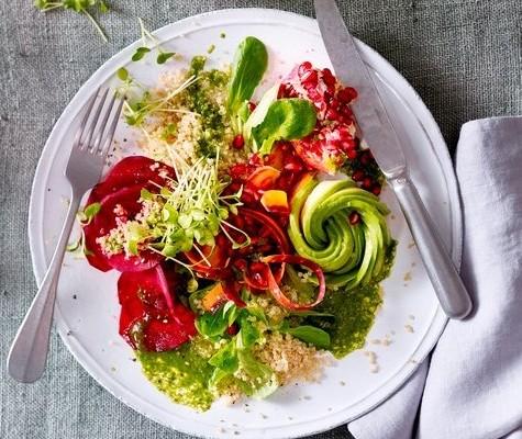 yuem02.01l-salat-mit-matcha-dressing