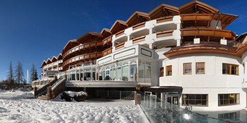 150-sonnalp-panorama-aussenansicht-im-winter