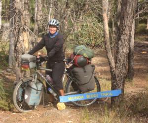 Als Frau allein mit dem Fahrrad um die Welt (c) traveldiary Verlag (1)