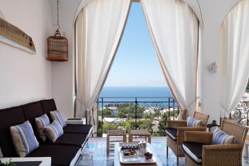 Capri Tiberio Palace_Lobby_(c) Preferred Hotels and Resorts