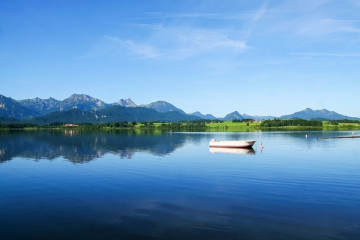 Germany-Austria-Switzerland_medium-sized_1218453_Chiemsee