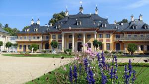 Germany-Austria-Switzerland_medium-sized_1221792_Pillnitz_Pixabay_BFS_travel4dogs