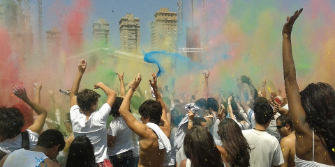 festival-of-colors-2174408_960_720