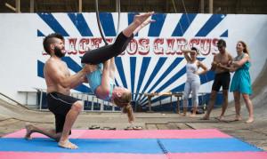 28_Yoga_mit_Zirkuselementen_in_der_Dominikanischen_Republik_(c)fitreisen.de