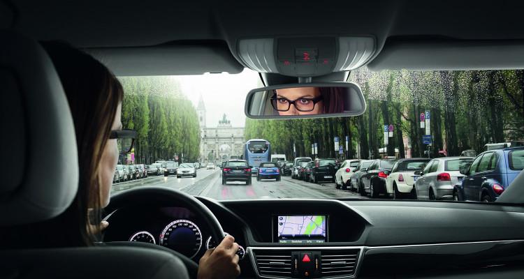 Die richtige Brille beim Autofahren_C_Carl Zeiss