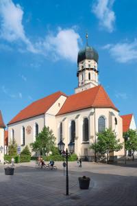 Germany-Austria-Switzerland_medium-sized_1246005_Foto--Romantische-Straße_SchongauStadtpfarrkirche_RomantischeStrasse