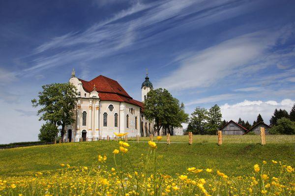 Germany-Austria-Switzerland_medium-sized_1246007_Foto--Romantische-Straße_Wieskirche_RomantischeStrasse