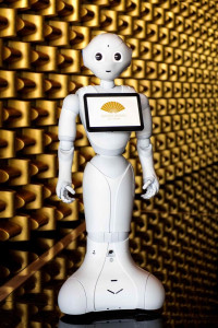 Pepper at the Gold Wall at Mandarin Oriental, Las Vegas_preview