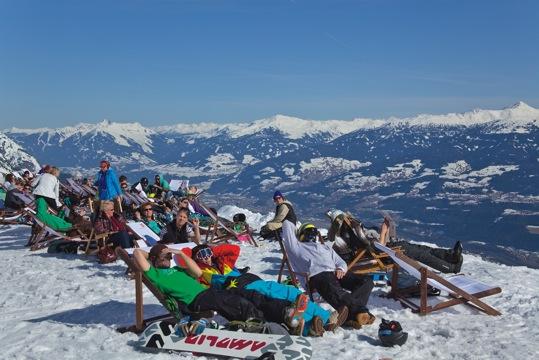 Ski City Innsbruck Von der Piste ins Theater und nach der Shoppingtour zur Party hoch hinaus - 3