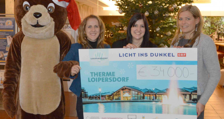 Thermen-Team mit Spendex für Licht ins Dunkel