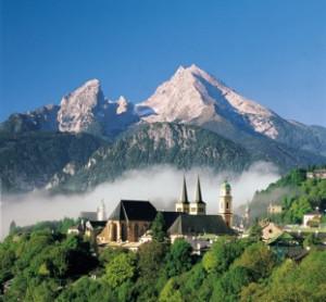 Berchtesgaden mit Watzmann c Berchtesgadener Land Tourismus GmbH