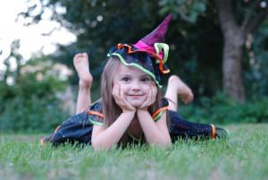 Kind als Hexe verkleidet (c) pixabay