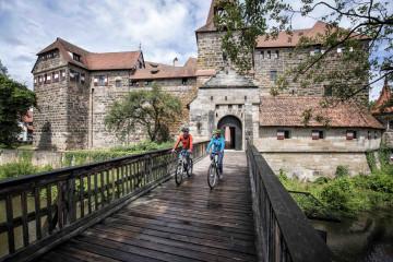 Paar Lauf an der Pegnitz c Nuernberger Land Tourismus Florian Trykowski kl