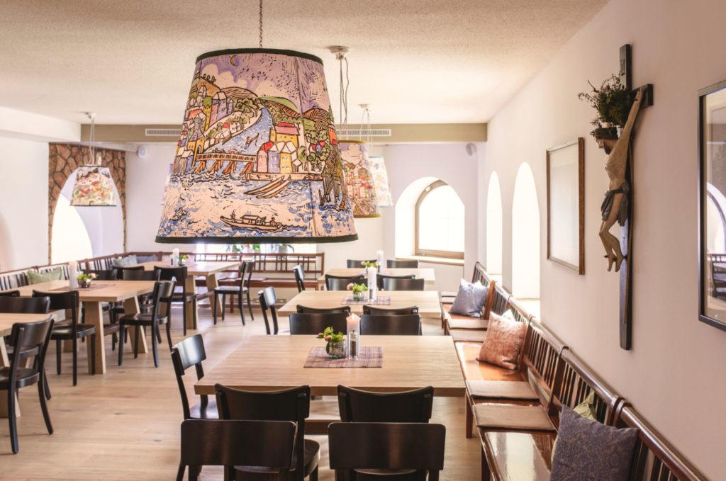 traunseehotels tradition und moderne im wirtshaus poststube 1327 in traunkirchen foto www traunseehotels at christof wagner 31x21cm 300dpi 1024x679 - Japan-Pop-up in Traunkirchen