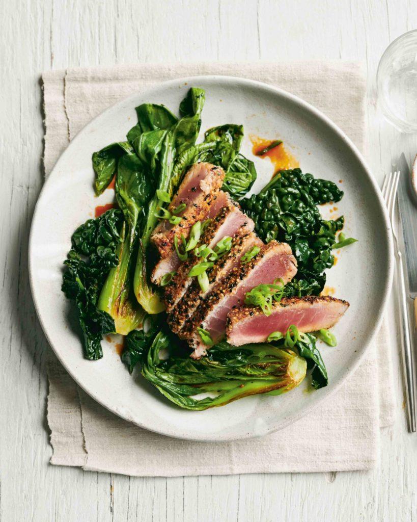 Thunfisch mit Körnerkruste und gedünstetem Gemüse